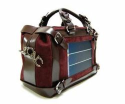 Costume National lancia la Solar Bag
