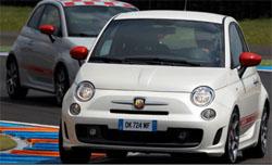 Nuova Fiat 500 Abarth: lusso grintoso