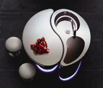 Cucina Isola S, design futuristico ispirato alla filosofia Yin e Yang