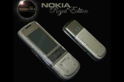 Nokia Royal Edition, platino e diamanti