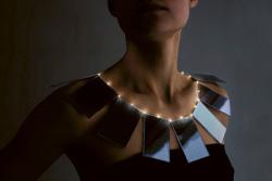 Lux, il collier solare per dive ecologiche