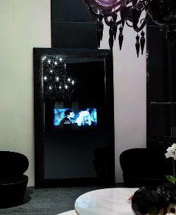 Lo specchio Fendi si trasforma in TV LCD