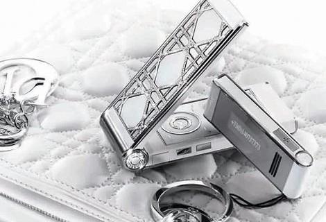Cellulare di diamanti per Dior
