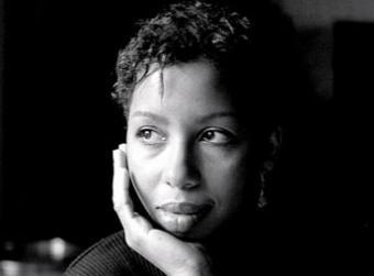 Marie Ndiaye vince il premio Goncourt, raccontando tre storie di donne