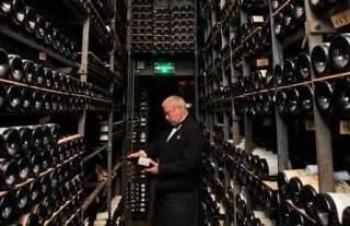 Un successo l'asta di preziosi vini di La Tour d'Argent
