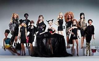 All'asta le Barbie disegnate dagli stilisti americani