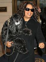 Il primo figlio di Oprah: a una donna del pubblico si rompono le acque