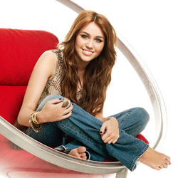 Miley Cyrus dice addio ad Hannah Montana
