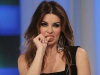 Alba Parietti flirta con Cristiano De Andrè