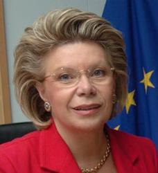 UE: una carta per le donne per eliminare le differenze di genere