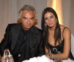 Elisabetta Gregoraci querela Diva e Donna: false le dichiarazioni su Nathan Falco