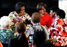 Michelle Obama si commuove per la Festa della Mamma