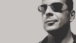 "Rian Johnson dirigerà Bruce Willis e Joseph Gordon-Levitt in ""Looper"""