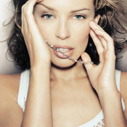 "Kylie Minogue sexy nel nuovo video ""All the lovers"""