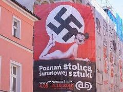 Polonia: manifesto shock con Minnie nuda e nazista