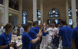 Apple Store Opéra inaugurato ieri a Parigi