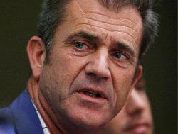 Mel Gibson è un uomo violento? Oksana Grigorieva pensa di sì, ma l'ex moglie lo difende