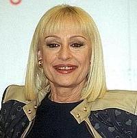 Raffaella Carrà tornerà in TV, ma critica duramente la Rai