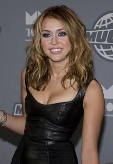 Miley Cyrus e Taylor Momsen ai ferri corti