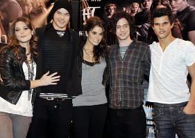 Le storie del Gossip: non solo RobSten, il cast di Twilight è pieno di triangoli amorosi