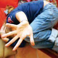 Germania: abusava del figlio in compagnia del fidanzato