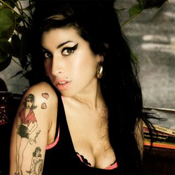 Amy Winehouse fa marcia indietro e chiede scusa a Mark Ronson