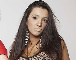 X-Factor UK: l'escort Chloe Mafia eliminata dal programma per droga