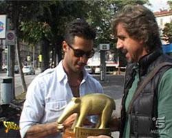 Striscia la Notizia: consegnato il Tapiro d'oro a Fabrizio Corona