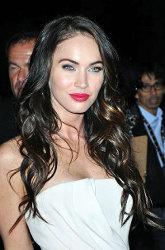 """Megan Fox in """"Passion Play"""", dettagli e clip del film e foto della première"""