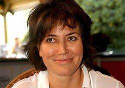 Sabina Guzzanti riceve un premio all'Offf per