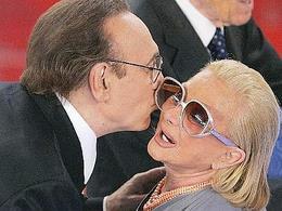 Sandra Mondaini: i funerali domani mattina in diretta su Canale 5