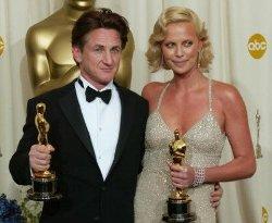 Sean Penn e Charlize Theron cenano a Santa Monica: una nuova storia d'amore?