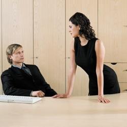 Sesso in cambio di lavoro: non tutte le donne rifiutano