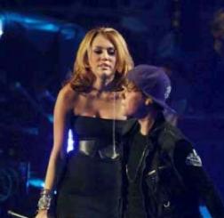 Justin Bieber è già stanco di Jasmine Villegas e Anastasia Kassar: vorrebbe uscire con Miley Cyrus