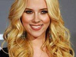 Scarlett Johansson a fianco di Matt Damon in