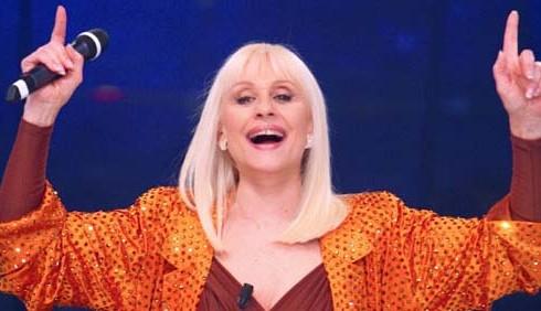 Raffaella Carrà ospite dell'ultima puntata di Chi ha incastrato Peter Pan