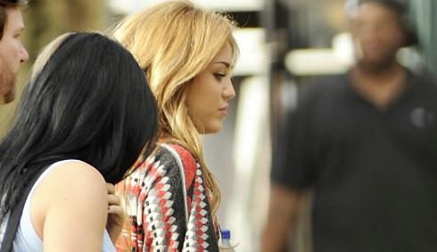 Miley Cyrus: nuove foto dal set di