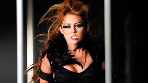 Miley Cyrus regina hot di Yahoo