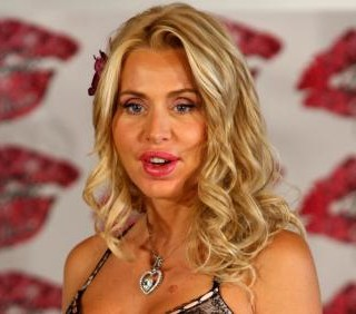 Valeria Marini: foto da attrice e produttrice