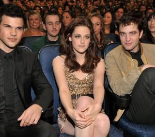 """Eclipse"" e Kristen Stewart trionfano ai People's Choice Awards, le foto"