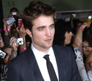 Robert Pattinson presenterà i Golden Globe con Matt Damon