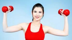 Esercizi spalle diredonna for Esercizi x interno braccia
