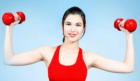 Esercizi spalle e braccia perfette: i migliori 5