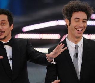 """Sanremo 2011, Luca e Paolo colpiscono """"gli Altri"""""""