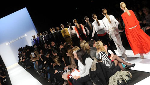 Mercedes Benz Fashion Week: gonne XXLong e grigio