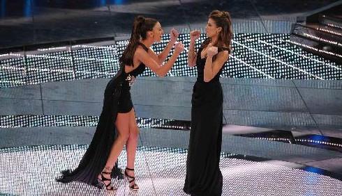Sanremo 2011, gli abiti della quarta sera