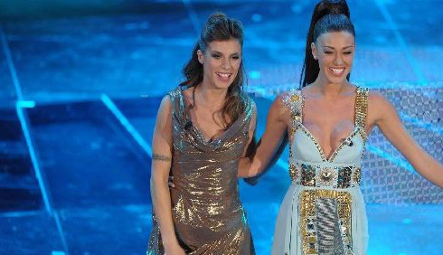 Sanremo 2011, quarta sera: abiti di Elisabetta Canalis e Belen Rodriguez