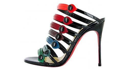 669e80857fa9 Christian Louboutin dedica le scarpe a Blake Lively - DireDonna