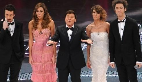 Finale Sanremo 2011, gli abiti di Belen Rodriguez ed Elisabetta Canalis
