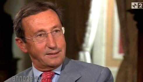 Annozero: Gianfranco Fini attacca Silvio Berlusconi